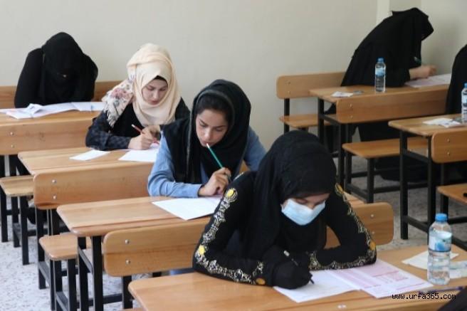 Barış Pınarındaki gençler, lise bitirme sınavlarına katıldı