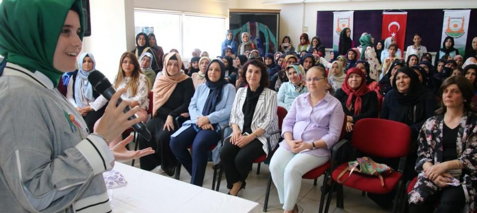 Başkan Güven Dünya Kadın Hakları Gününü Kutladı.