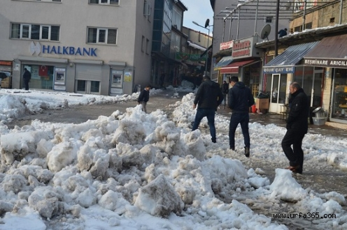 Doğu Anadolu'da 429 Köy Yolu Ulaşıma Kapandı