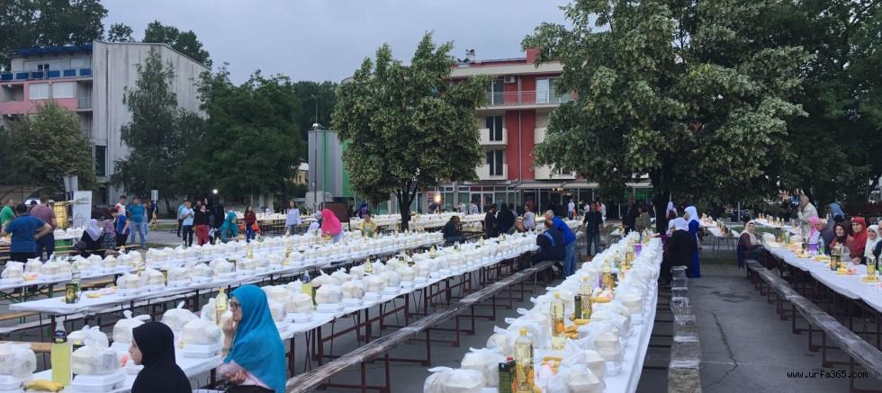 Eyyübiye Belediyesi Bosna'da İftar Verdi