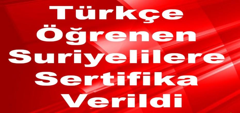 Türkçe Öğrenen Suriyelilere Sertifika Verildi